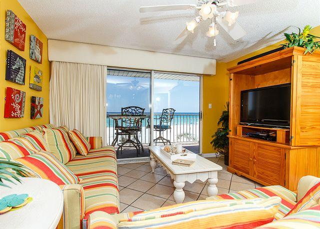 Living Room - TP 203: beautiful beach condo-flatscreen TV,WiFi, balcony,ipod dock,beach SVC - Fort Walton Beach - rentals