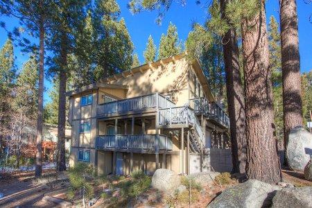 Perfect remodeled ski chalet, directly on shuttle route - HCH1084 - Image 1 - South Lake Tahoe - rentals