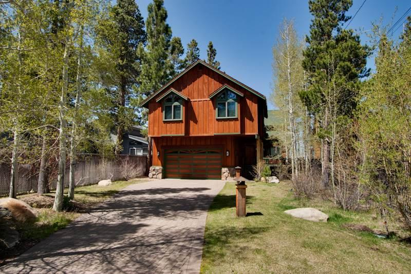 Luxury Lake Front Home, with Private Beach, Pet Friendly and Walking Distance to Camp Richardson (JB03) - Image 1 - South Lake Tahoe - rentals