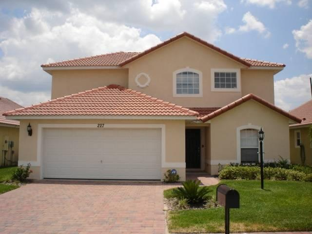 Ideally located home near golf and rollercoaster - RR227 - Image 1 - Davenport - rentals