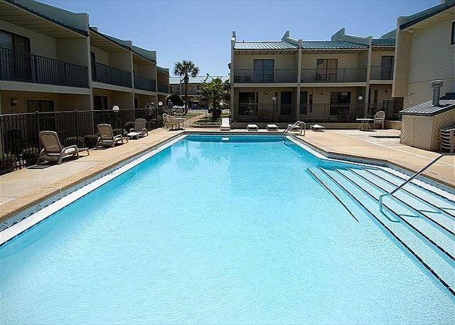 Gulf Winds East #31 Townhome ~Free Golf, Fishing, and Snorkeling~ - Image 1 - Miramar Beach - rentals