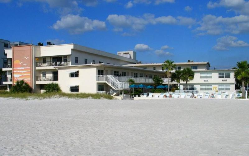 #113 at Surf Song Resort - Image 1 - Madeira Beach - rentals