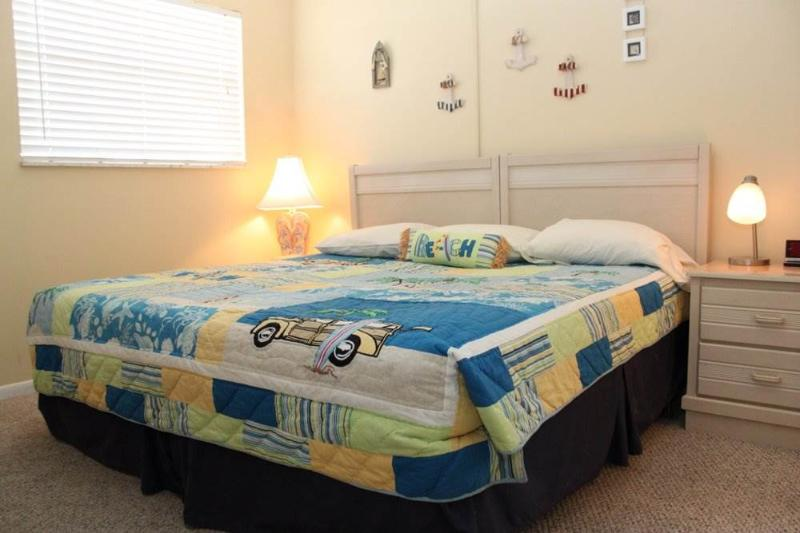 #331 at Surf Song Resort - Image 1 - Madeira Beach - rentals