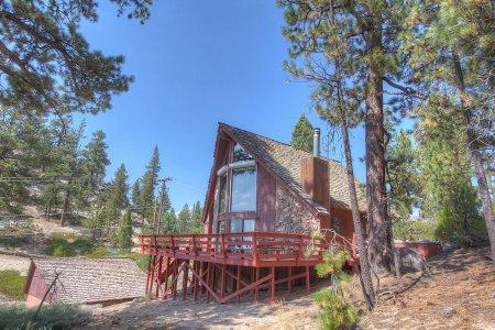 Perfect Ski chalet 2 blocks to Heavenly Ski Resort - HCH1024 - Image 1 - South Lake Tahoe - rentals
