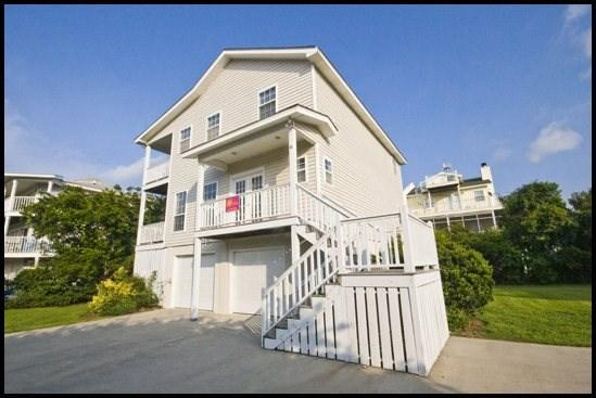Front View of Molliewood - Molliewood - Tybee Island - rentals