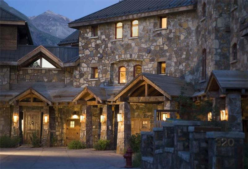 The Rivercrown complex is located just 2 blocks from Main Street & the Gondola. - RIVERCROWN 2 - Telluride - rentals