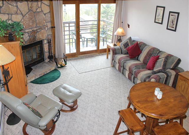 BV402EDD Prime Condo w/ Elevator, Wifi, Fireplace, Clubhouse - Image 1 - Silverthorne - rentals