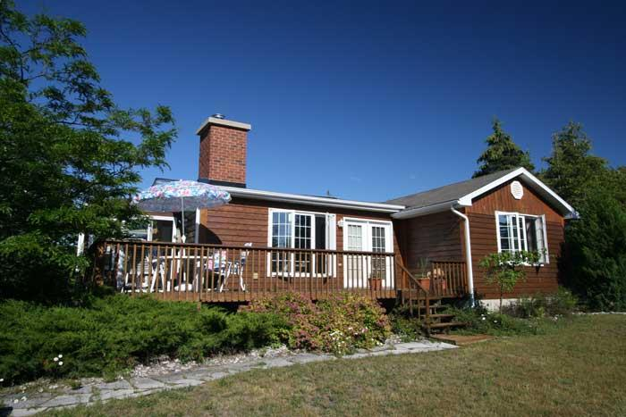 Oliphant cottage (#451) - Image 1 - Sauble Beach - rentals
