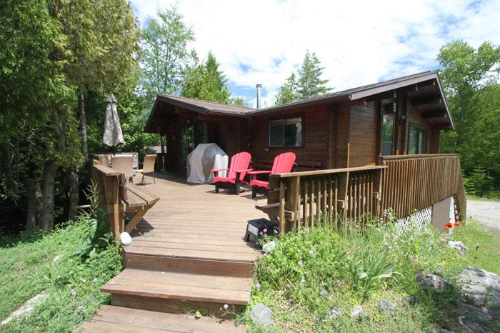 Waterfront Panabode cottage (#468) - Image 1 - Tobermory - rentals