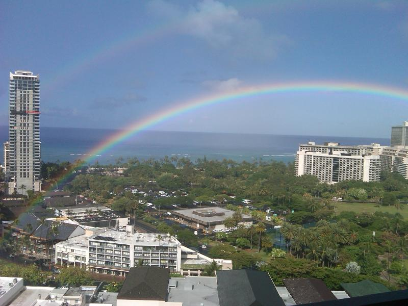 Four Paddle #2405 - Great ocean & sunset views! Full kitchen, AC, washer/dryer, parking, WiFi. - Image 1 - Waikiki - rentals