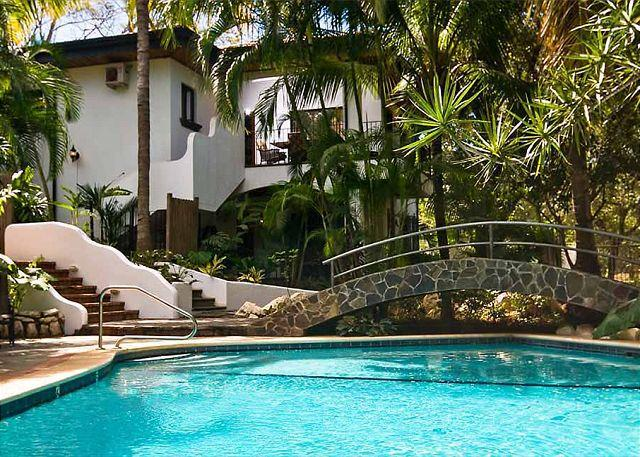 Pool area - Charming private home- original art, full kitchen, gas stove, a/c, tv, phone - Tamarindo - rentals