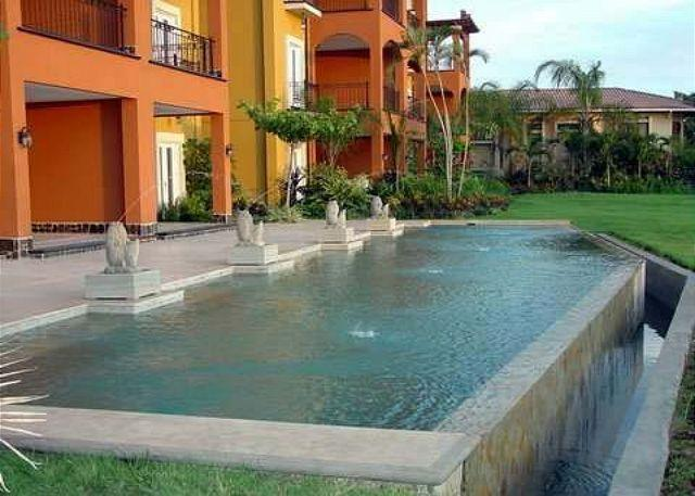Pool - Fabulous beachview penthouse- custom kitchen, balconies, a/c, shared pool - Tamarindo - rentals