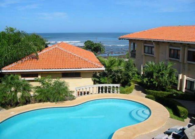 Pool Area - Cozy ground floor condo- shared pool, near beach, kitchen, a/c, cable - Tamarindo - rentals