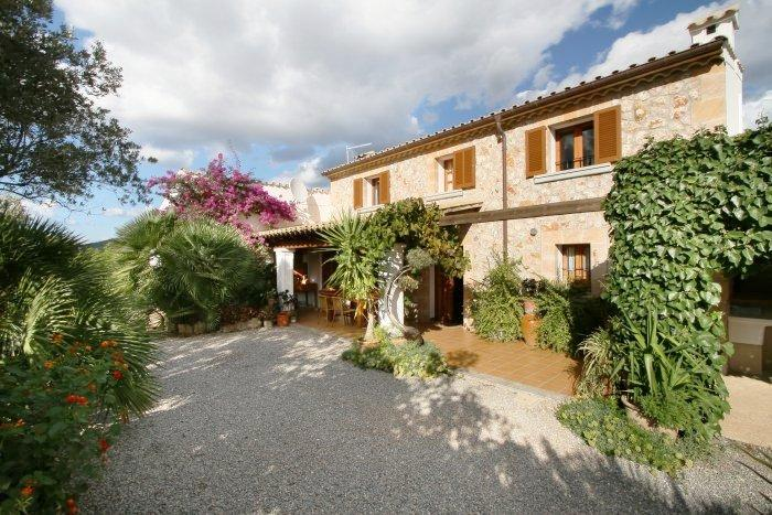 Holiday Villa to Rent in Mallorca - Casa La Hiedra - Image 1 - Pollenca - rentals