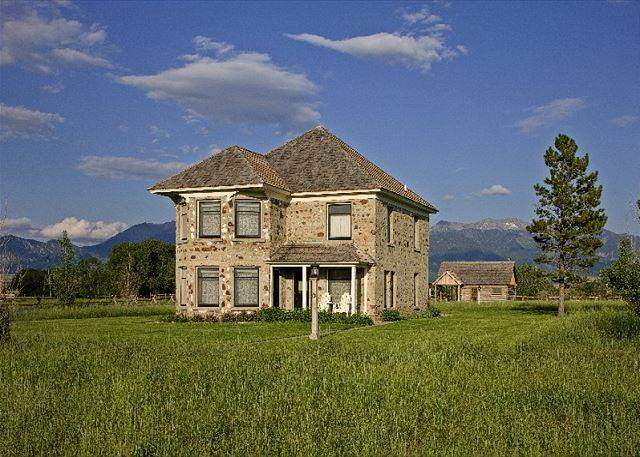 A beautiful historic home - Historic Thextondale Homestead on the Madison - Ennis - rentals