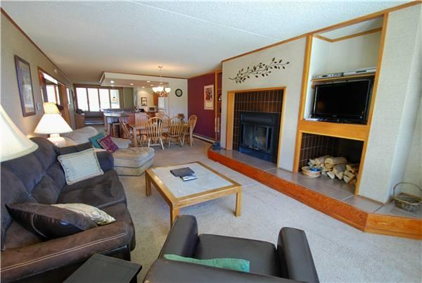 Lovely Condo with 2 Bedroom, 2 Bathroom in Keystone (Pines 2134) - Image 1 - Keystone - rentals