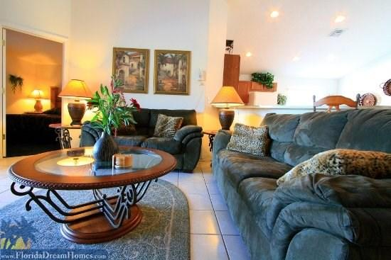 Living Room with High Speed Internet - 19272 - Comfortable House with 4 Bedroom, 3 Bathroom in Kissimmee - Kissimmee - rentals