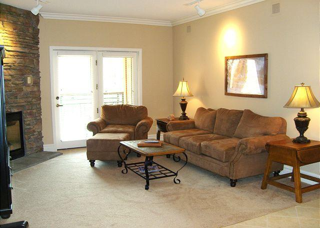 Living Room - Baskins Creek 204 - Gatlinburg - rentals