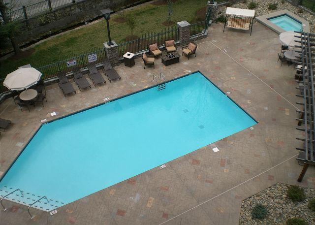 Private Balcony Overlooking Pool - Baskins Creek 412 - Gatlinburg - rentals