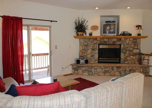 LR120L Amazing Townhouse w/Fireplace, Pet Friendly, Common Hot Tub, Garage - Image 1 - Dillon - rentals