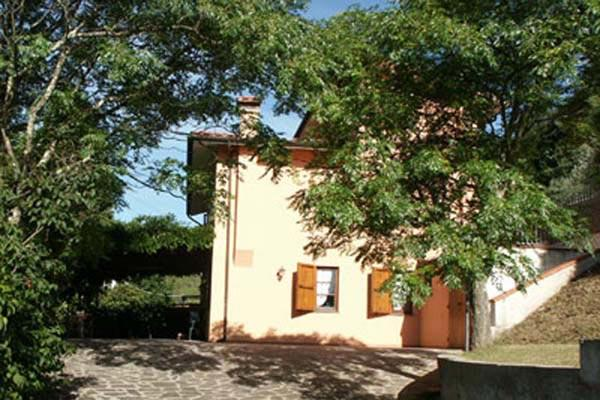 12km from sandy beaches of Versilia- Small farmhouse in a quiet position surrounded by trees. SAL OLI - Image 1 - Lucca - rentals