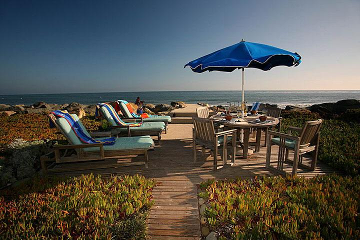 Oceanfront Deck - Driftwood Beach Retreat - Carpinteria - rentals
