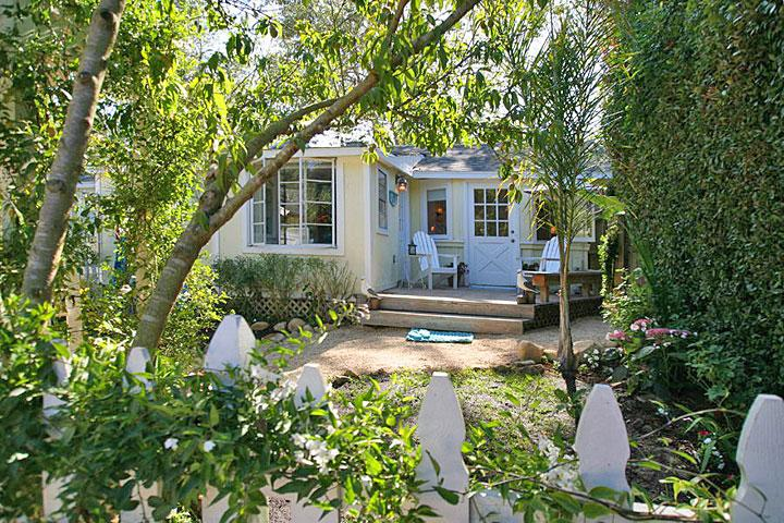 Your charming beach cottage hideaway - Seashell Cottage - World - rentals