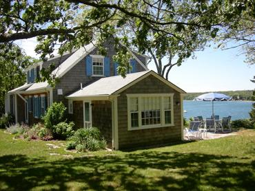 1085 - CHARMING WATERFRONT HOME - Image 1 - Oak Bluffs - rentals