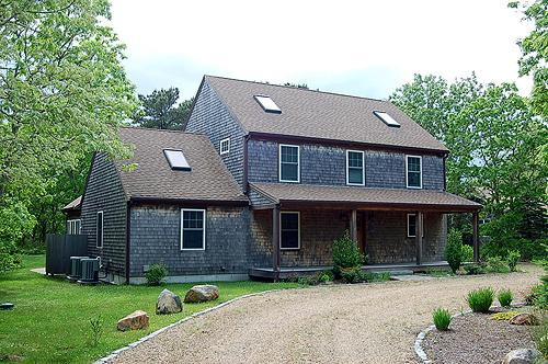 1278 - CENTRALLY LOCATED HOME IN EDGARTOWN WITH CENTRAL AIR CONDITIONING - Image 1 - Edgartown - rentals