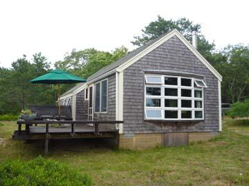 1307 - BEAUTIFULLY BUILT AND MAINTAINED CABIN ON TISBURY GREAT POND - Image 1 - West Tisbury - rentals