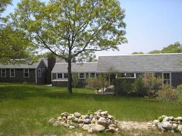 1319 - WALK TO THE BEACH FROM THIS CHARMING VINEYARD COTTAGE - Image 1 - Chappaquiddick - rentals
