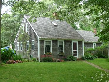 1480 - ENJOY BEAUTIFUL WATERVIEWS FROM THIS CHARMING VINEYARD HOME - Image 1 - West Tisbury - rentals