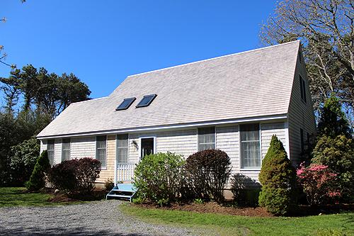 228 - CENTRALLY LOCATED KATAMA HOME WITH LOVELY PATIO AND YARD - Image 1 - Edgartown - rentals