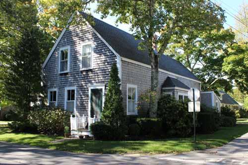 505 - HOUSE & TWO GUEST HOUSES IN DOWNTOWN EDGARTOWN - Image 1 - Edgartown - rentals