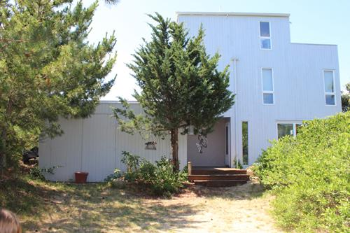618 - CHAPPAQUIDDICK CONTEMPORARY WITH 270 DEGREE WATERVIEWS AND STEPS TO A PRIVATE BEACH - Image 1 - Chappaquiddick - rentals
