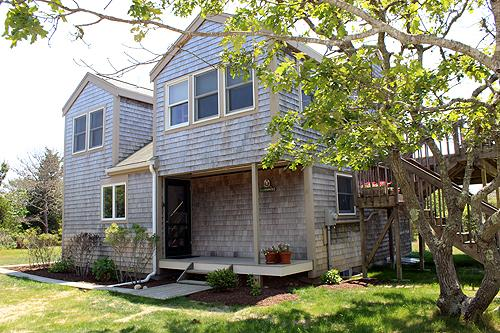 667 - CONTEMPORARY COTTAGE WITH BEAUTIFUL WATERVIEWS OF KATAMA BAY - Image 1 - Chappaquiddick - rentals