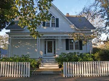 719 - HISTORIC DISTRICT HOME JUST A SHORT STROLL TO TOWN & 2 BEAUTIFUL BEACHES! - Image 1 - Edgartown - rentals