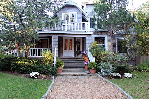 803 - Large Vineyard Classic Home Close to Town and Beach! - Image 1 - Oak Bluffs - rentals