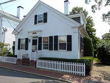 974 - WALK TO TOWN FROM THIS ADORABLE IN-TOWN EDGARTOWN COTTAGE - Image 1 - Edgartown - rentals