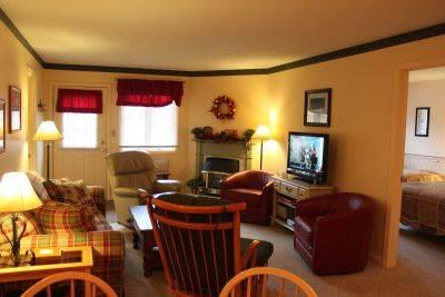 Spacious 1BR condo with Queen bed, fireplace - B1 124B - Image 1 - Lincoln - rentals