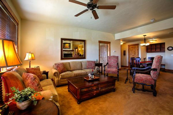 Emerald Lodge Living Room - 5102A - 5102A Emerald Lodge, Trappeurs - Steamboat Springs - rentals