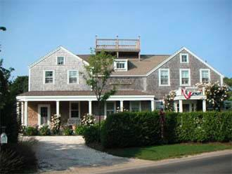 Heavenly House with 4 Bedroom, 3 Bathroom in Nantucket (9265) - Image 1 - Nantucket - rentals
