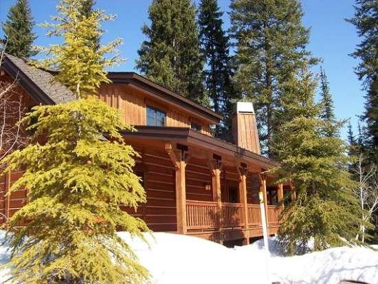 Wrap-around decks and sunny location for this 3-bedroom chalet - Sawtooth 250 - Three bedroom, Three Bath Chalet. Sleeps 8. WIFI. - Tamarack Resort - rentals