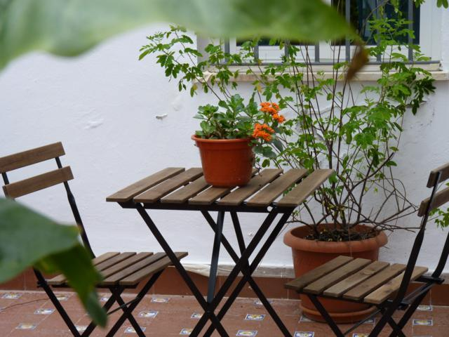 courtyard  - Charming and cozy  1 bedroom apartment in the historic centre with a shared Courtyard. WIFI - Seville - rentals