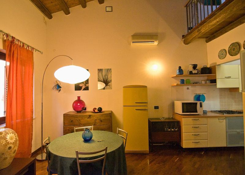 Dining area - Nice flat for your Holiday in Palermo Central - Palermo - rentals
