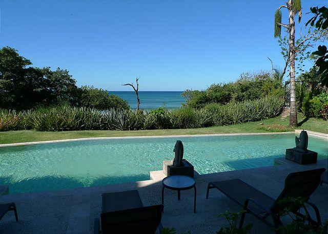 Terrace view - Luxurious beachfront condo- custom kitchen, patio, cable, a/c, internet - Tamarindo - rentals