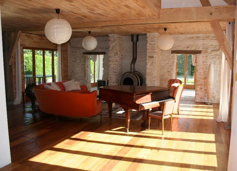 Liptrap sitting room - Pamoja, 2 lovely houses by a lake for up to 30 pers! - Chemille Sur Indrois - rentals