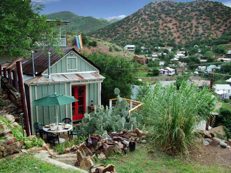 Doublejack Guesthouse perched hillside with views of Old Bisbee and into Mexico - Doublejack Guesthouse in historic Bisbee, AZ - Bisbee - rentals