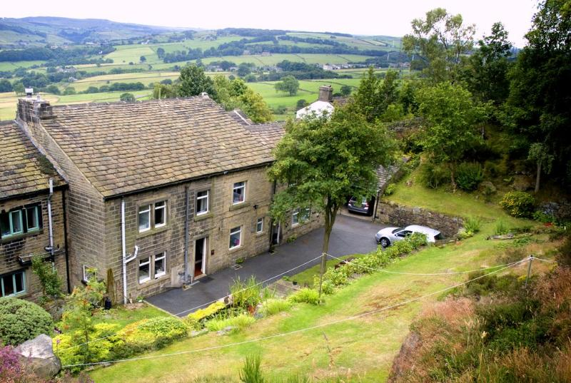 We are in a country location with easy access. Local bus service to the door. - Cherry Tree Cottages Pennine Yorkshire Halifax UK - Halifax - rentals