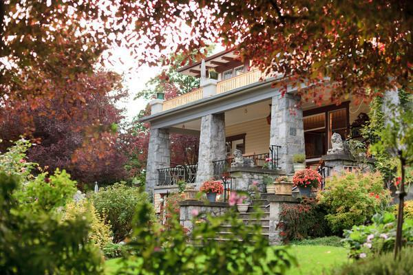 Abbeymoore Manor - Heritage Mansion Vacation Rentals - Victoria - rentals